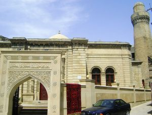 794px-Juma_mosque-Old_City_Baku_Azerbaijan_19th_century